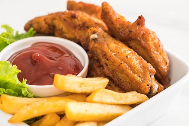 Alas de pollo fritas