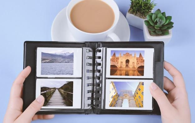 Álbum de fotos con fotos instantáneas de paisajes