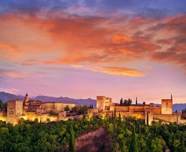 Alhambra atardecer en granada de españa