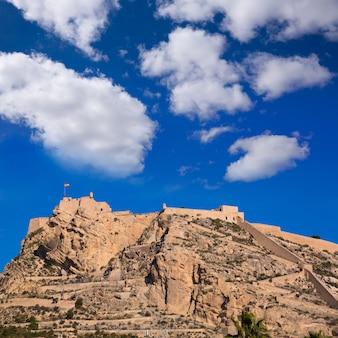 Alicante castillo de santa bárbara en españa mediterránea
