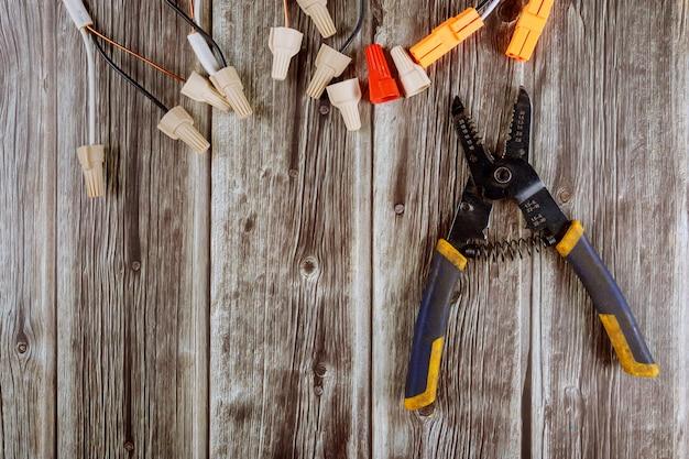 Alicates para herramientas de electricista, cortacables y alicates de corte, conectores