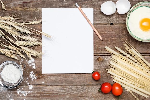Alimentación saludable, fideos de los tipos duros de trigo.