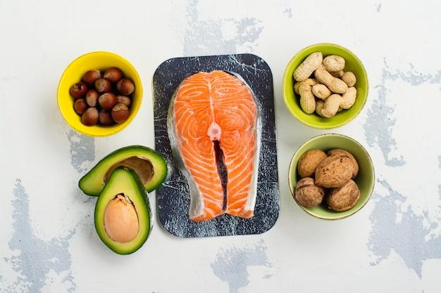 Alimentos con grasas insaturadas.