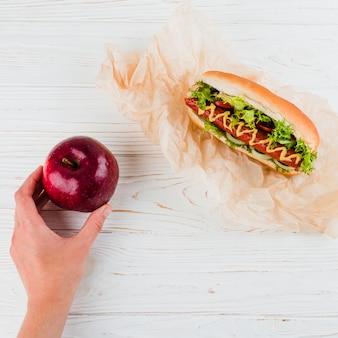 Alimentos saludables y poco saludables