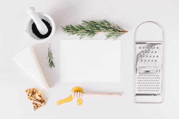Alimentos y utensilios