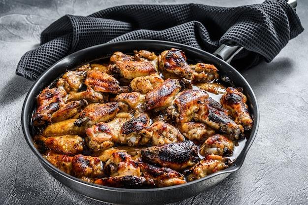 Alitas de pollo a la barbacoa en salsa de miel