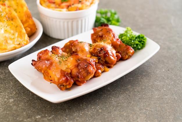 Alitas de pollo a la parrilla con queso