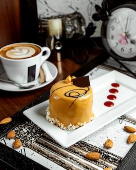 Almendra dulce deleite en la mesa