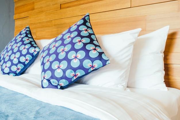 Almohada en dormitorio