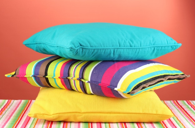 Almohadas en rojo