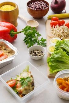 Alto ángulo del concepto de comida deliciosa