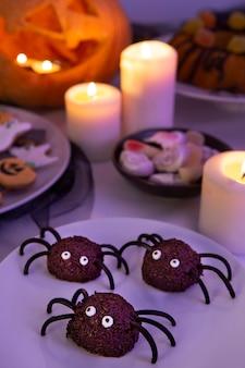Alto ángulo del delicioso concepto de comida de halloween