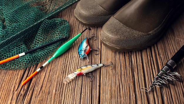 Alto ángulo de lo esencial de pesca