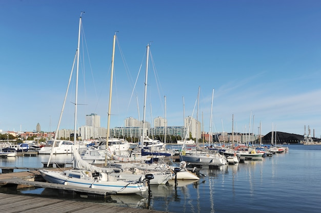 Amarre marina en el centro de helsinki, finlandia