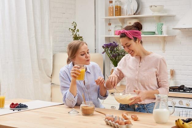 Amigos chef cocinar cocinar