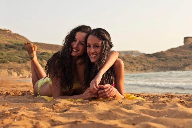 Amigos disfrutando de unas vacaciones