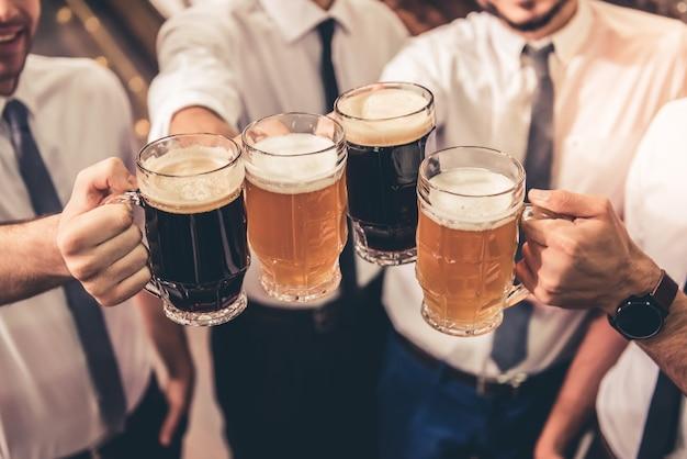 Amigos en pub