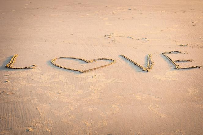 Amor Escrito En Arena: Fotos Y Vectores Gratis