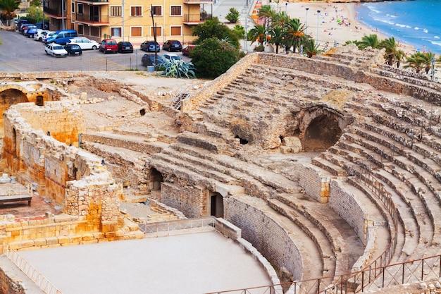 Anfiteatro romano en el mediterráneo. tarragona