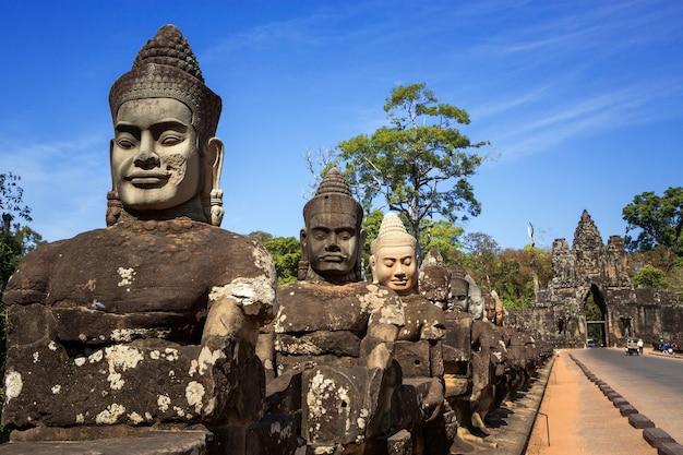 Angkor wat, angkor thom, siem reap,