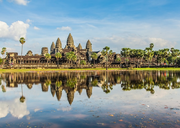 Angkor wat, antiguo castillo en camboya