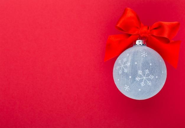 Año nuevo, fondo de navidad con bolas de navidad azules