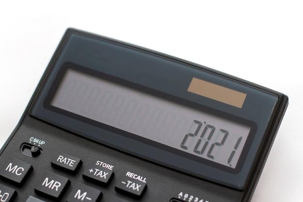 Año nuevo en la pantalla de la calculadora concepto de año nuevo
