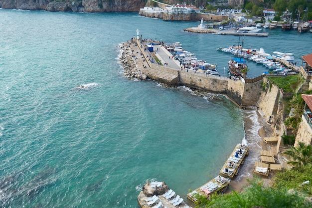Antalya ciudad vieja fondo de la marina de turquía