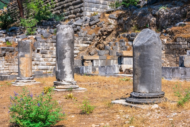 Antigua ciudad griega de priene en la costa occidental de turquía