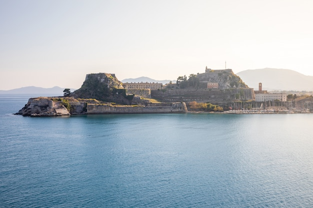 Antigua fortaleza veneciana en corfú, islas jónicas, grecia