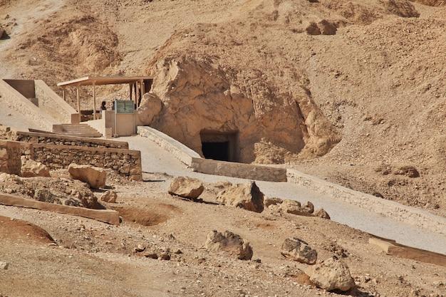 La antigua necrópolis valle de las reinas en luxor, egipto