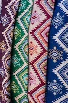 Antiguas alfombras georgianas tradicionales