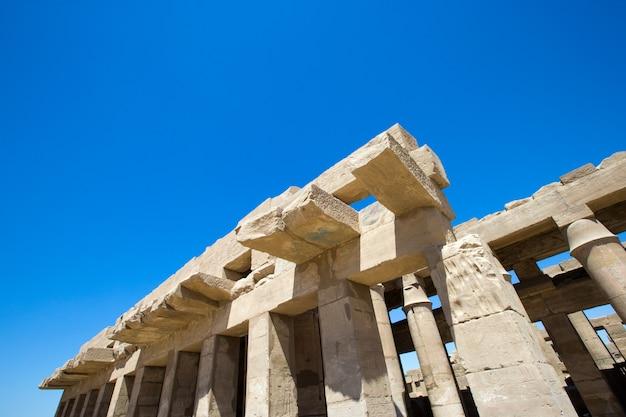 Antiguas ruinas del templo de karnak en egipto