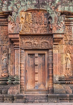 Antiguo castillo en camboya llamado angkor wat, angkor thom