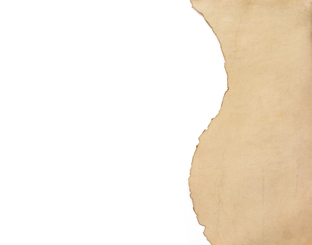 Antiguo pergamino de papel envejecido retro aislado sobre fondo blanco, vista superior