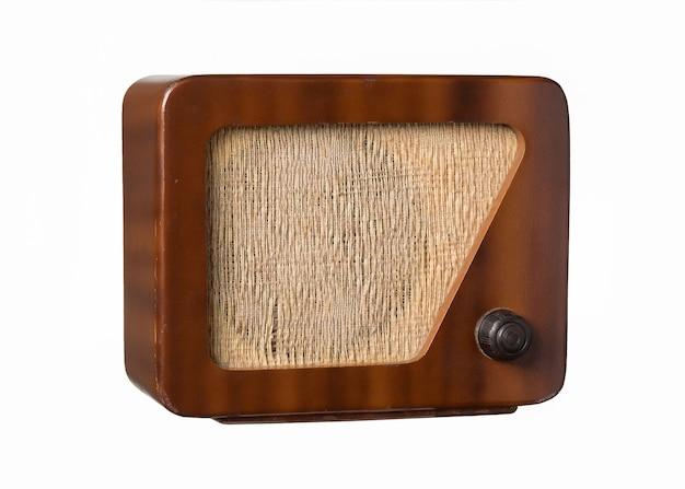 Antiguo radio vintage degradado aislado