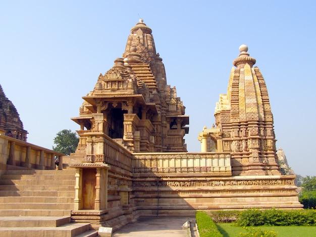 Antiguo templo erótico en khajuraho, madhya pradesh