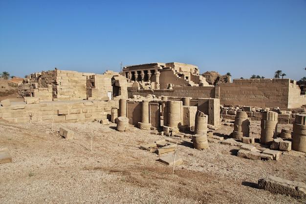 Antiguo templo hathor en dendera, egipto
