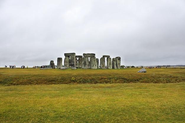 El antiguo templo de stonehenge, inglaterra, reino unido.