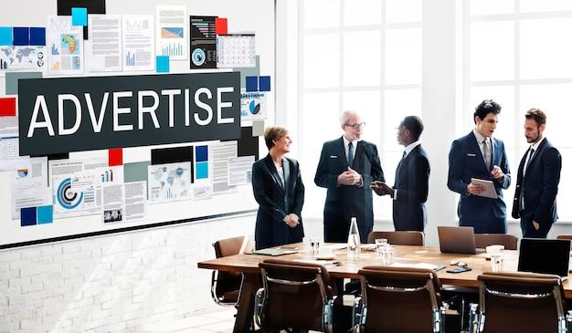 Anunciar el concepto de negocio de marketing digital de comunicación