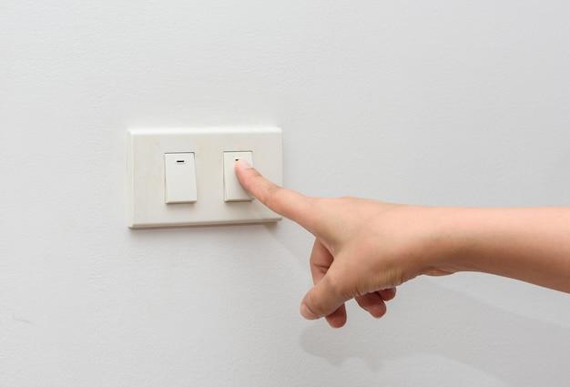 Apaga la luz. guardar el concepto de energía
