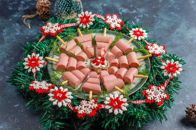 Aperitivos en forma de árbol de navidad.