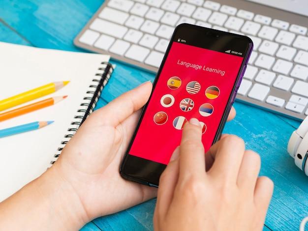 Aplicación para aprender un nuevo idioma en el teléfono