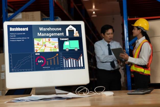 Aplicación de software de gestión de almacenes en computadora para monitoreo en tiempo real