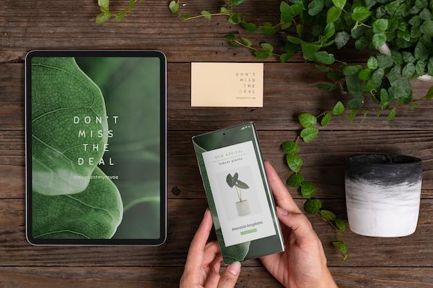 Aplicación de tienda de plantas en línea en pantallas de dispositivos digitales