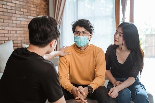 Apoyo de amigos durante la enfermedad.