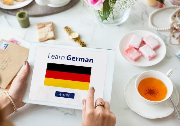 Aprender el concepto de educación en línea de idioma alemán