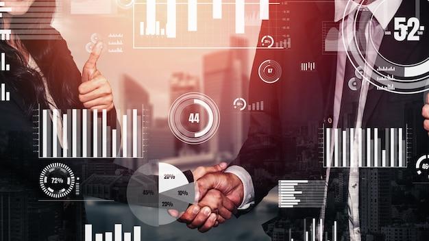 Apretón de manos de negocios conceptual con tablero para análisis de datos financieros