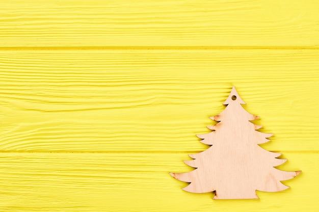 Árbol de navidad decorativo de madera.