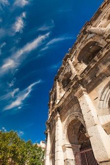 Arena de nimes, anfiteatro romano en francia